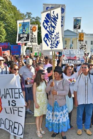 Chloe Schwabe and Yolanda Flores at #NoDAPL protest