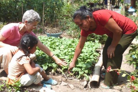 Peg Vamosy in El Salvador