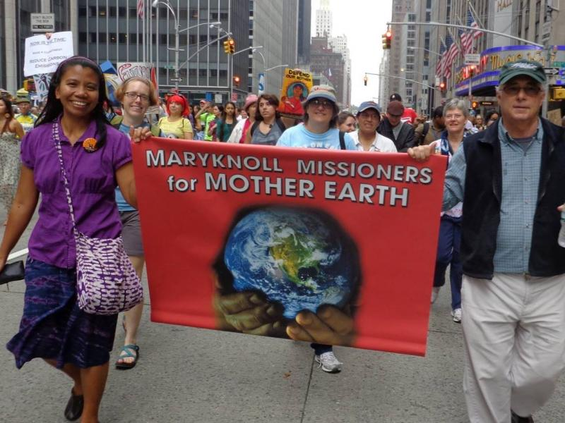 Maryknoll_climate_march